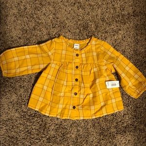 Old Navy 2 pants, 2 shirts 6-12 months NWT